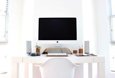 Consejos para iluminar la mesa del ordenador