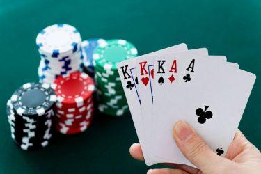 Por qué necesitas un hand checker jugando a póker online